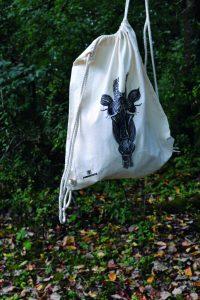 Düneneschutz - Turnbeutel - Giraffe im Wald